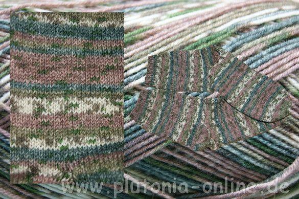 Handgestrickte Socken aus Opalwolle in der Größe 44/45