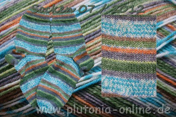 handgestrickte Socken aus Opalwolle in Größe 36/37